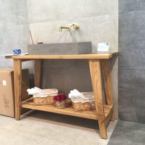 דלפקים מעץ/בשילוב שיש למטבח וחדרי אמבט